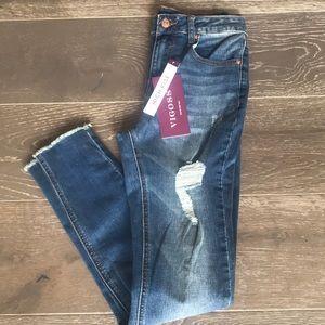 {Vigoss} High-Rise Distressed Skinny Jeans. 26.